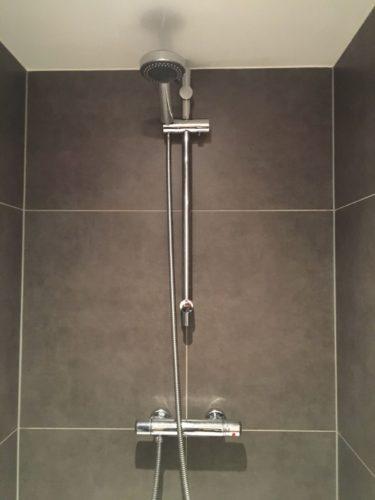 nieuwe douche plaatsen